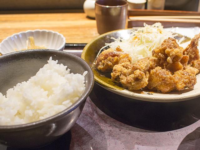 京橋でランチ、博多もつ鍋「やまや」