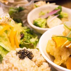 京橋で健康ランチ!ドレッシングがおいしい実身美(サンミ)のメニューをレシピに取り入れたい!