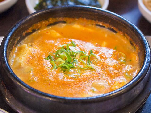 箕面のオッキーでスントゥブチゲ!韓国料理を満喫!駐車場、近くにあります