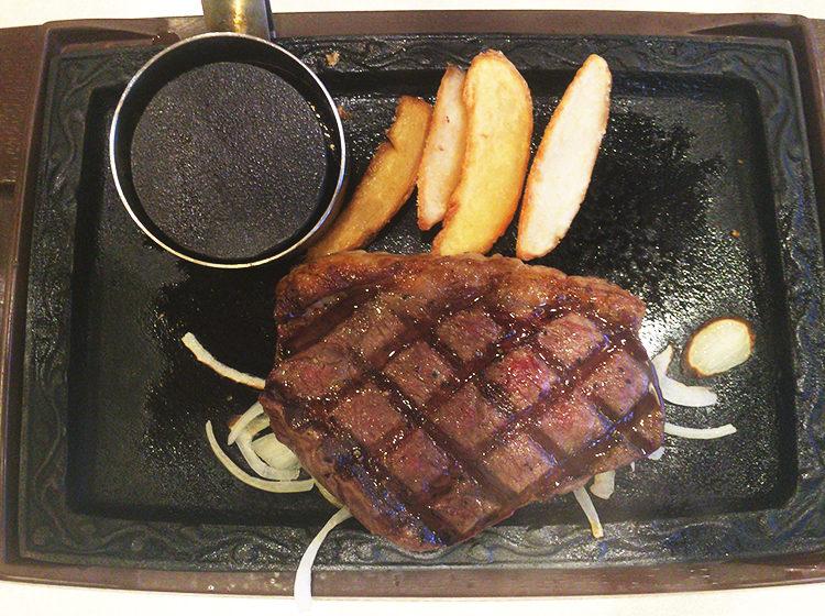 サラダバーで食べ放題!ステーキガストでイチボの熟成赤身の特別メニュー!