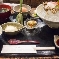 煮魚や鯛めしがおいしい大阪北新地「和平」は予約必須!おかわりできますよ