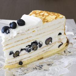 ホールで華やかHARBSのケーキおすすめは何と言ってもミルクレープ!
