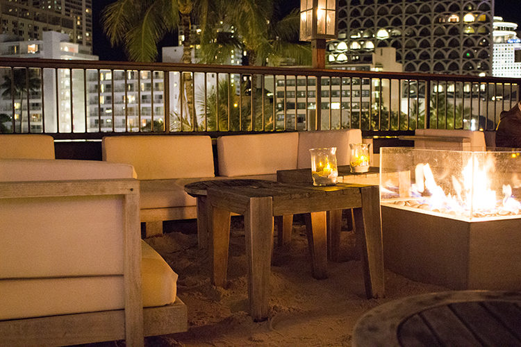 トミーバハマのルーフトップを予約!メニューもハワイの景色も絶品!