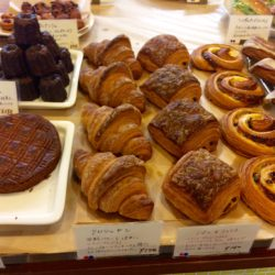 中崎町で大人気のパン屋さん『ブーランジェエスカガワ』は、パンの予約可能です。